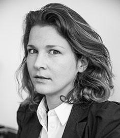 Julie de LASSUS SAINT-GENIÈS